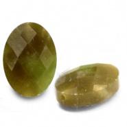 Kraal groen olive licht ovaal half edelsteen