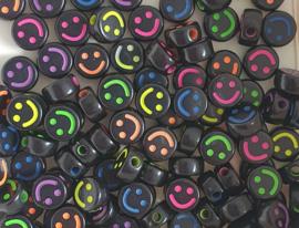 Letterkraal smiley mix color zwart 10 mm