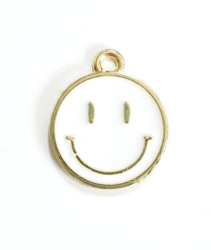 Bedel smiley wit goud 19x16 mm
