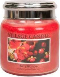 Berry Blossom Village Candle  Medium  105 Branduren