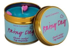 Rainy Day Bomb Cosmetics Geurkaars in een blik