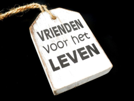 "Hanger label  ""vrienden"" Antique white"