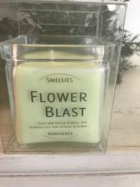 Flower Blast  Smellies geurkaars  50 Branduren