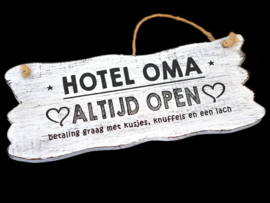Tekstbord hangend 12 x 30 Hotel Oma
