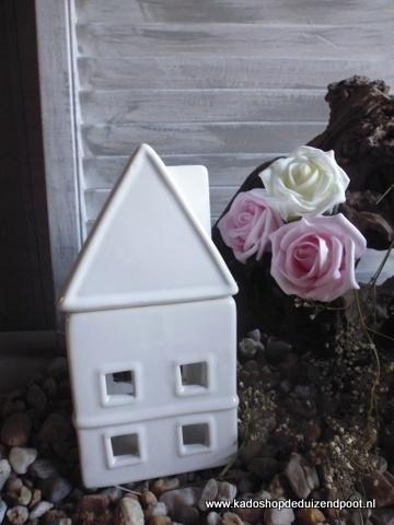 White Geurbrander  Huisje