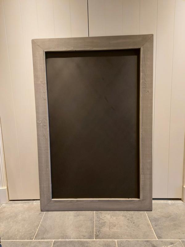 Krijtbord 75x134cm Lijst donkergrijs