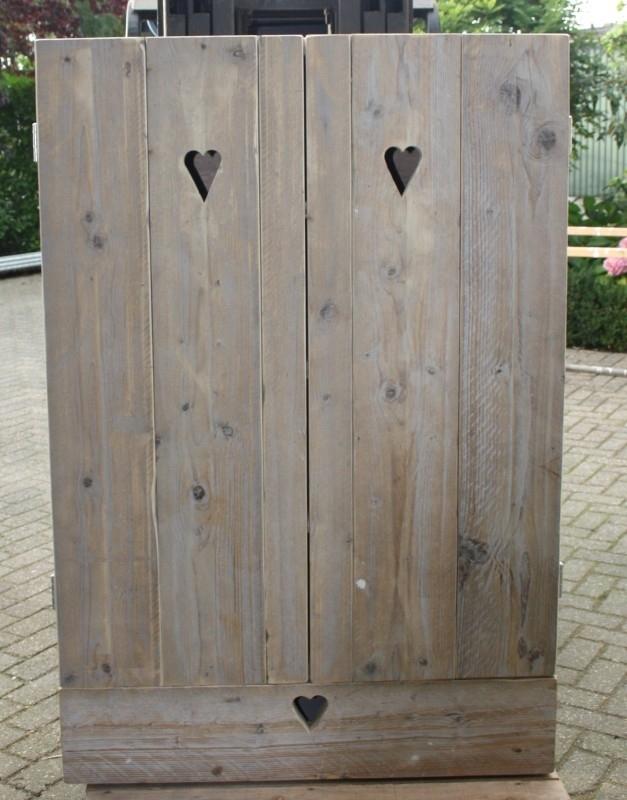 Kast steigerhout met hartje