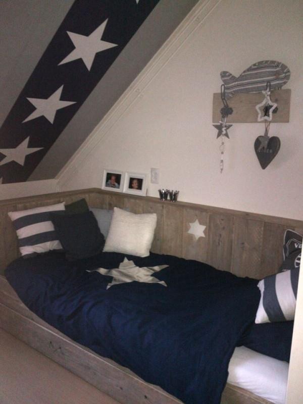 Bedbank met lade