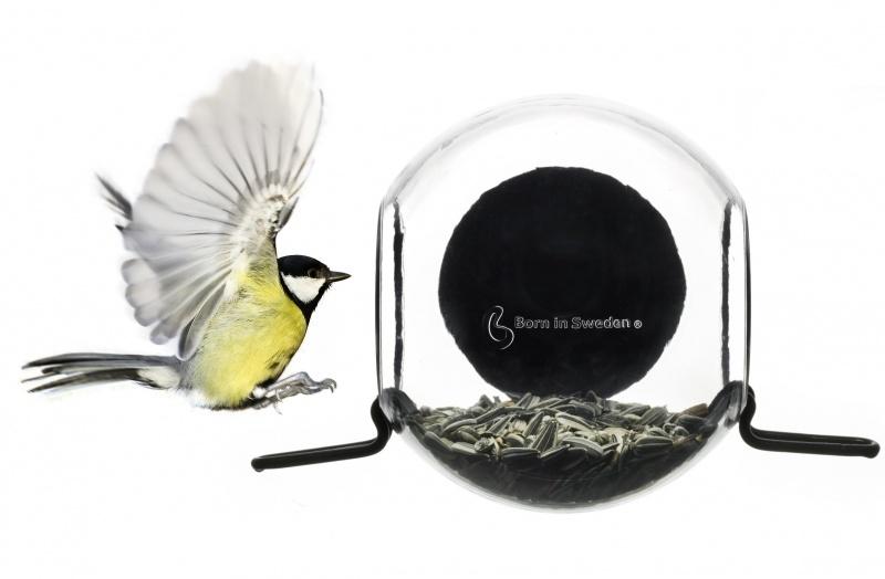 Birdfeeder Born in Sweden