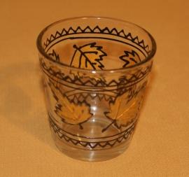 glaasje voor theelichtje, herfstblaadjes