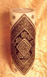 Kaars met henna 23cm hoog