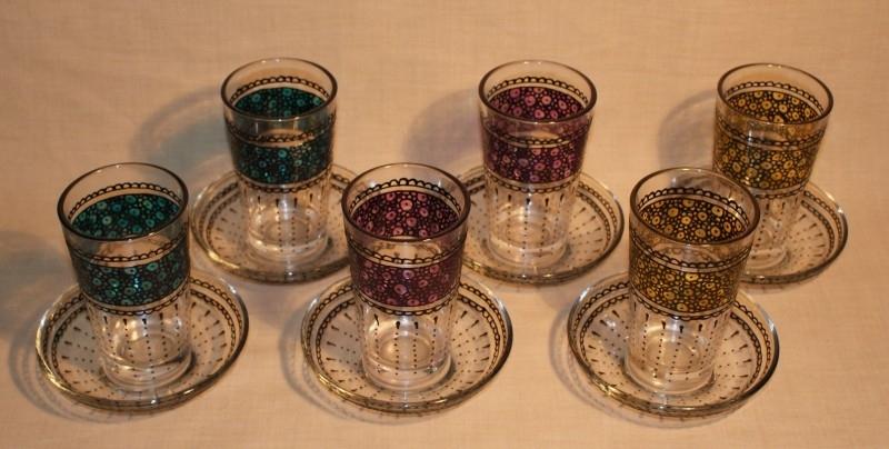 Set van 6 theeglaasjes met onderbordjes
