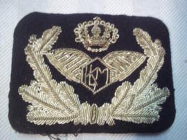 Dutch cap badge KLM airlines. Nederlands petembleem zilver borduurd KLM jaren 20- 50 zeer bijzonder.