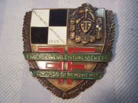 French fire brigade badge. Franse borsthanger brandweer