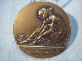British plaque, Army Athletic Association. 1932. Engelse sport penning op naam, zeer mooie afbeelding jaren 30.