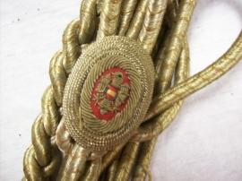 Austrian fourragere. Oostenrijkse fourangere van zilverdraad, met nationaal symbool
