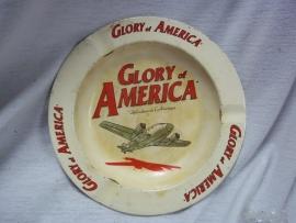 Ashtray metal sixties Glory of America with aeroplane. Blikken asbak jaren 60 met vliegtuig