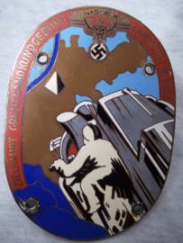 German plaque, Duitse plaquette van de NSKK, veelkleurig geemailleerd, zeer bijzonder Zielfahrt Grenzlandkundgebung Karlsruhe 1933. maker L.Chr. Lauer - Nurnberg. zeldzaam stuk.