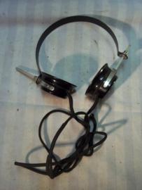 German headphones, nicely marked, Wehrmachtabnahme stamps. Duitse koptelefoon met WA stempel. geen stekker meer.