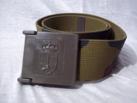 ABBL legerriem camouflage met hardplastik sluiting.