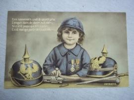 French postcard girl collecting german Pichelhauben. Postkaart. meisje verzamelt pinhelmen Komische kaart