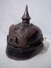 German spike helmet. Duitse manschappen pickelhaube Feldgrau, deelstaat BADEN, met maatstempel en maker. zeer nette kwaliteit origineel.
