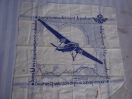 Herinnerings zakdoek PELIKAAN vlucht van de KLM.