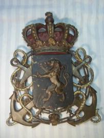 Bronse plaque Belgium Navy for on a boat or building 41 - 30 cm. Bronzen Belgische plaat van de Koninklijke Marine, zeer decoratief, 42- 30 cm, 3 kilo. hoogstwaarschijnlijk sierde dit ooit een boot of gebouw. zeer zeldzaam en apart.
