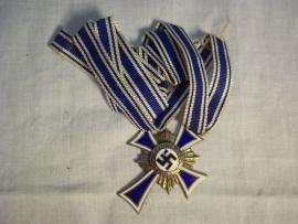 German mothercross silver. Duitse medaille moederkruis met lint zilveren uitvoering, emaille 100%
