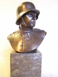 Nice statue German Soldier bronze. Buste Weimar soldaat gebronsd zware kwaliteit