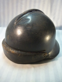 French M- 1945 steelhelmet, mostly called the Jeanne d'Arc  helmet. Franse gemotoriseerde helm model 1945
