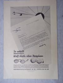 Duitse reclame folder over een vliegeniers bril gemakkelijk in het zweefvliegtuig. NSFK , leuke afbeelding.