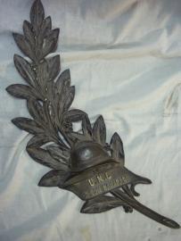 Bronze plaque grave memorial. Bronzen grafplaat van de UNC WO1 uitvoering. UNC - Union National du Combattant, oudstrijders vereniging.