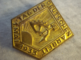 German tinnie, rally badge. Duitse tinnie NSBO Tag der Deutschen Arbeit 1.mai 1933.