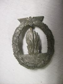 German medal Kriegsmarine Minensuch abzeichen maker R.K.Duitse onderscheiding