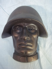 Metal head of a Swiss soldier with helmet. Hoofd Zwitserse soldaat met helm