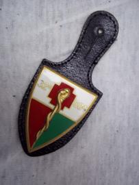 Franse borsthanger Geneeskundige troepen, medical corps Rode Kruis.