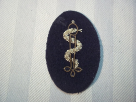 Nederlands officiers embleem Medische Dienst, kwalitatief mooi geborduurd.