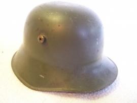German helmet Mdl. 1916 as moneybox, RARE.Duitse blikken helm als spaarpot DRGM gestempeld, zeer zeldzaam, originele kleur, Duitse helm M-16 zeer gezocht item.