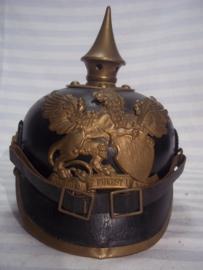 German NCO spike helmet Baden in a very good condition. Duitse pickelhaube 1903 van het 111e Infanterie Regiment mooi gemarkeerd geen dubbele gaten mooi gelijk gekleurd deelstaat Baden. Onderofficier. zeer goede staat