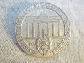German tinnie rally badge Duitse tinnie Reichstreffen der NSKOV Berlin 1 aug. 1937 gebroken speld.