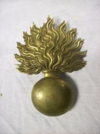 Belgium badge. Belgisch embleem springende granaat voor op de bontmuts van de grenadier