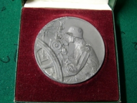 German medal in case. Duitse penning in doos Artillerie Regiment Richtprijs Wehrmacht.