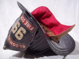 US Fire Department helmet, metal- Senator pattern, nearly mint condition. Amerikaanse metalen brandweerhelm SENATOR model, in een absoluut goede bijna MINT staat.