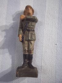 elastolin soldaat, Wehrmacht vaandel drager. zeer goede staat, mist vaandel.
