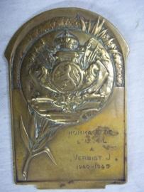 Belgium remembrance plaque of the UML. Belgische herinneringsplaquette op naam.