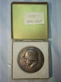 Austrian medal in case.  Oostenrijkse penning in doos. Oostenrijkse Bundes heer 1932. Estafettenlauf Wien