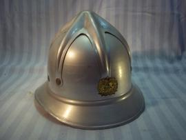 Czech fire helmet Austrian model. Tsjechische brandweer helm, Spinnenkop helm, naar Oostenrijks model in een bijna mint staat