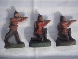 3 Duitse soldaten 1870-1871 speelgoed, merkloos met gebruikssporen