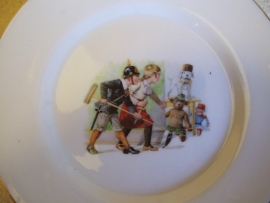 remembrance plate children dressed as soldiers. Wandbord kinder afbeelding